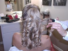 Caras- think we could pull this off on my hair? My Hairstyle, Pretty Hairstyles, Wedding Hairstyles, Updo, Bridesmaid Hair, Prom Hair, Bridesmaid Ideas, Barrel Curls, Big Curls