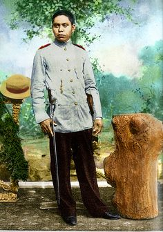 Colorized photo of General Isidro Torres Philippine Army, Treaty Of Paris, The Spanish American War, Filipiniana, Colorized Photos, Freedom Fighters, Pinoy, Military History, Filipino