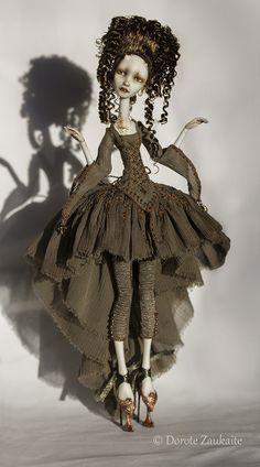 Little Sparrow Tireless artist by Dorote Zaukaite Villela Steampunk Dolls, Gothic Dolls, Marionette, Plastic Doll, Polymer Clay Dolls, Creepy Dolls, Little Doll, Doll Repaint, Fairy Dolls