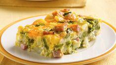 Grâce aux restes de jambon et aux légumes surgelés, ce plat réconfortant est prêt à aller au four en 15 minutes.