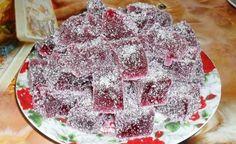 Oslavujete nebo připravujete párty pro nejmenší? Připravte domácí želé bonbóny, které si vaše děti určitě oblíbí. Russian Cakes, Russian Desserts, Russian Recipes, Homemade Marmalade Recipes, No Cook Desserts, Dessert Recipes, Gourmet Recipes, Cooking Recipes, Homemade Sweets