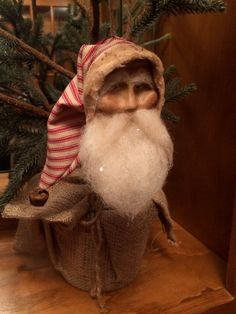 Handmade Primitive Santa Ornament by HeartFeltPrims on Etsy Susan Bonczyk