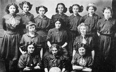 1910 girl baskteball team