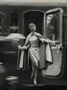 A train car Paris, 1960. Photo by Louis Faurer.
