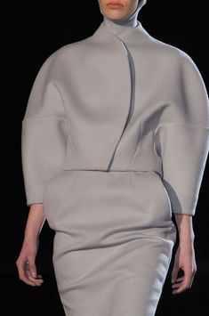 #Sculptural Fashion // Grey structured top and skirt // Thierry Mugler Fall 2013 - Details #sleeve: