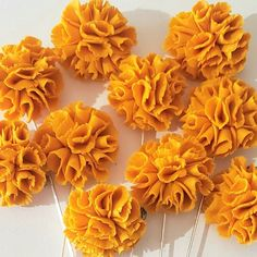 Marigolds flower pins  #Follow us for Colorful Marigold Flower & other Seeds Ideas!Marigolds flower pins Pink Backdrop, Marigold Flower, Mexican Embroidery, Sketch Paper, Leaf Crafts, Paper Wallpaper, Jewelry Quotes, Baby Cakes, Flower Jewelry