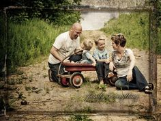 Google Image Result for http://www.shirkphotography.com/mp_images/family.jpg
