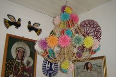 One of many traditional elements of interior decoration in the Polish villages of the past was an elaborate geometric ornament hanging down from the ceiling. It is called 'pająk' (plura… Cabana, Polish Holidays, Small Computer, Diy Projects To Try, Poland, Folk Art, Origami, Interior Decorating, Crafty