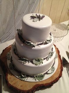 Simple lavender cake Wedding Color Schemes, Wedding Colors, Wedding Ideas, Lavender Cake, Country Style Wedding, Wedding Cakes, Simple, Desserts, Food