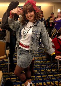 Robin Sparkles From How I Met Your Mother: A fun and easy DIY Halloween costume made for teens.