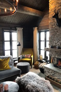 Weekend House, Cabin Kitchens, Yellow Interior, Cabin Interiors, Beauty Spa, House Decorations, Cabin Fever, Cabins, Beach House