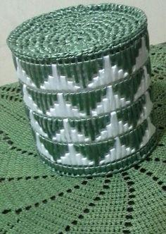 Porta papel,rafia,hecho por Yuyita castro.