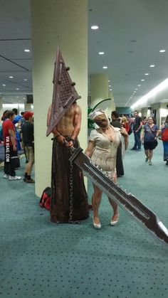 Badass Cosplay of Pyramid head and Faceless Nurse of Silent Hill @Toronto Fan Expo 2015