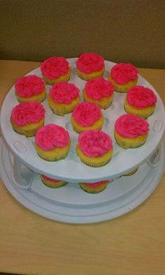 Kate's surprise baby shower cupcakes