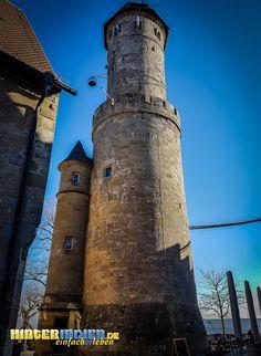Einer bereitstehenden Rakete ähnelt die Turm-Komposition auf der Altenburg in Bamberg. Pisa, Building, Travel, Musical Composition, Bamberg, Tours, Hiking, Viajes, Buildings