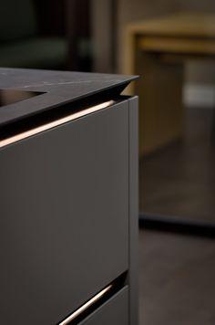 Modern Kitchen Cabinets, Kitchen Cabinet Design, Kitchen Furniture, Kitchen Interior, Furniture Design, Luxury Kitchen Design, Modern House Design, Canadian House, Toilet Design