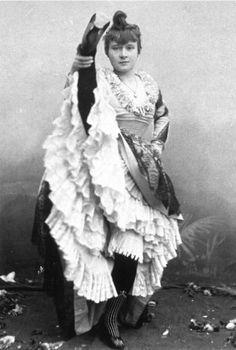 photo La Goulue - early Moulin Rouge cancan dancer & muse of Henri Toulouse-Lautrec.