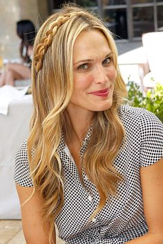 7 Easy Summer Hairstyles to Try Now: Mini Accent Braid