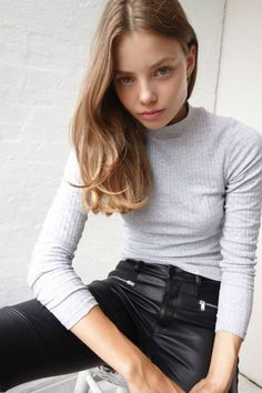 VK is the largest European social network with more than 100 million active users. Cute Kids Photography, Stunning Photography, Beauty Photography, Fashion Models, Girl Fashion, Model Polaroids, Leder Outfits, Model Look, Healthy Women