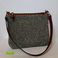 Marvelous Crochet A Shell Stitch Purse Bag Ideas. Wonderful Crochet A Shell Stitch Purse Bag Ideas. Diy Crochet Bag, Crochet Purse Patterns, Crochet Pouch, Crochet Shell Stitch, Free Crochet, Crochet Handbags, Crochet Purses, Diy Purse, Casual Bags