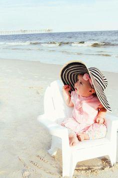 Baby girl beach pics 😍