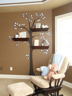 genius way to use those shelves!