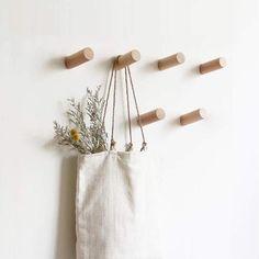 39 Simple Shoe Storage Ideas That Will Declutter Your Hallway Wooden Coat Hooks, Coat Hooks Wall Mounted, Wood Hooks, Hat Hanger, Hat Hooks, Towel Hooks, Diy Hat Rack, Hanger Hooks, Modern Wall Hooks
