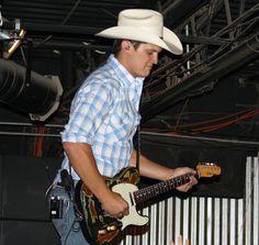 Jon Pardi Country Music Artists, Country Singers, Dale Brisby, Jon Pardi, John Travolta, Nick Jonas, Country Boys, Brad Pitt, Chris Hemsworth