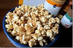 Cinnamon Peanut Butter Popcorn - had this last night but used half the amount of peanut butter, honey, and cinnamon - it was plenty to coat the popcorn! Peanut Butter Popcorn, Peanut Butter Fingers, Honey Popcorn, Popcorn Recipes, Snack Recipes, Healthy Recipes, Healthy Baking, Easy Party Food, Easy Snacks