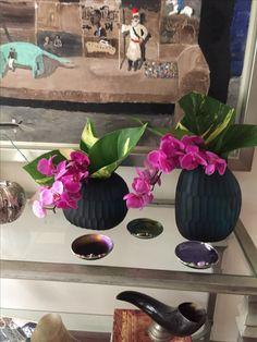 Vase, Home Decor, Book, Decoration Home, Room Decor, Flower Vases, Interior Design, Vases, Home Interiors