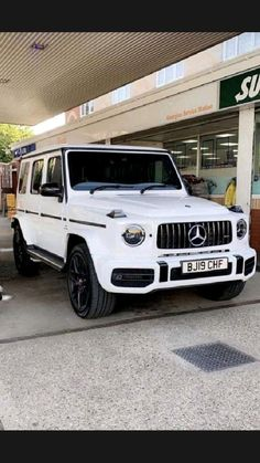 Mercedes G Wagon, Mercedes Benz Cars, New Luxury Cars, Luxury Suv, Vagas Home Office, Ranger Truck, Lux Cars, Benz G, Fancy Cars