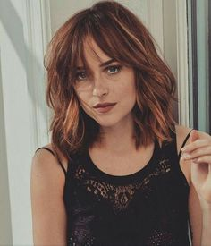 Dakota Johnson - You are in the right place about long bob hairstyles lauren conrad Long Hair With Bangs, Haircuts With Bangs, Long Bob Hairstyles, Wispy Bangs Round Face, Wispy Fringe Bangs, Medium Straight Hairstyles, Long Bob Bangs, Shoulder Length Hair With Bangs, Messy Bangs