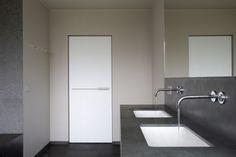 badkamer idee Washroom Design, Bathroom Interior Design, Interior Door, Porte Design, Modern Design, Bathtub, Architecture, Guy Stuff, Glass Doors