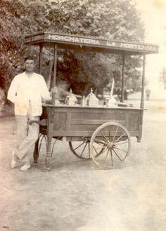 """Venta de helados del la horchatería """"La Hortensia"""" en el Parque Ribalta de Castelló en 1929."""