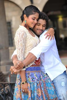 Allu Arjun, Puri Jagannadh and Team @ Iddarammayilatho Movie Working Location Romantic Couple Images, Love Couple Images, Cute Love Couple, Romantic Pictures, Couples Images, Cute Couples, Actors Images, Movie Couples, Couple Pictures