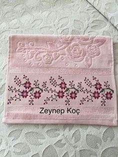 Cross Stitch Beginner, Small Cross Stitch, Cross Stitch Art, Cross Stitch Borders, Cross Stitch Flowers, Cross Stitch Designs, Cross Stitching, Cross Stitch Embroidery, Hand Embroidery Patterns