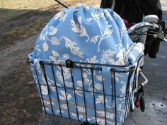 Bike Basket Bag - great idea--wish there was a pattern or tutorial for this.