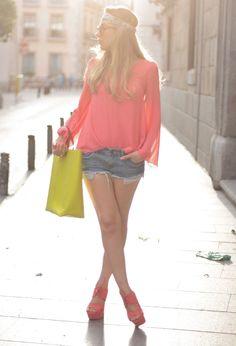 Queens Wardrobequeens-wardrobe  Camisas / Blusas, Blancoblanco  Pantalones cortos and Zarazara  Bolsos