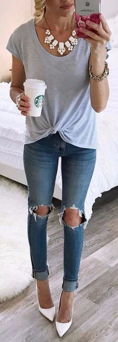 Cool 48 Top Spring And Summer Outfits Women Ideas. More at https://outfitsbuzz.com/2018/03/20/48-top-spring-and-summer-outfits-women-ideas/