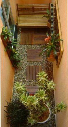 Jardim em área estreita. Fotografia: www.decorfacil.com Mais Mais