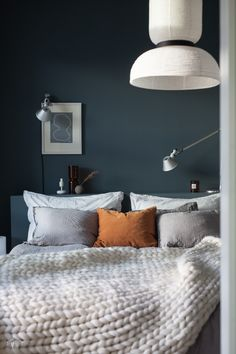 Pillows, Bedroom, Interior, Furniture, Bedding, Walls, Home Decor, Cozy Bedroom, Living Area