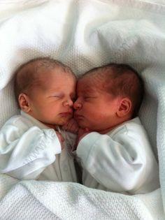 Best Prenatal Vitamins Get Pregnant .Best Prenatal Vitamins Get Pregnant Cute Little Baby, Baby Kind, Little Babies, Cute Twins, Cute Babies, Fertility Smoothie, Pcos Fertility, Pcos And Getting Pregnant, Pregnancy Memes