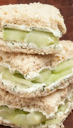 Lemony Cucumber Cream Cheese Sandwiches - The perfect shower, lunch, or brunch finger food. Yes for spring and summer! This links to egg salad sandwich recipie as well. Cucumber Cream Cheese Sandwiches, Cheese And Pickle Sandwich, Tee Sandwiches, Finger Sandwiches, Picnic Sandwiches, Light Sandwiches, Comidas Light, Vegetarian Recipes, Cooking Recipes