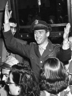 Col. James Stewart arriving in New York from Europe