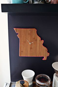 76 Crafts To Make and Sell - Easy DIY Ideas for Cheap Things To Sell on Etsy, Online and for Craft Fairs. Make Money with These Homemade Crafts for Teens, Kids, Christmas, Summer, Mother's Day Gifts.    Easy DIY Cutting Board Clock     diyjoy.com/crafts-to-make-and-sell