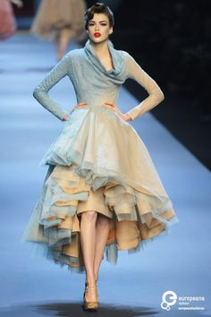 Style and fashion inspirations for wardrobe and modeling at Monica Hahn Photography.Christian Dior, Spring-Summer Haute Couture You are in the right place about Haute Couture jumpsuit Here we of Foto Fashion, Fashion Week, Trendy Fashion, Runway Fashion, Fashion Models, High Fashion, Vintage Fashion, Womens Fashion, Haute Couture Gowns