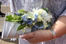 corsage | ... Buttonhole & Corsage Blog: Brides Mum's Ice Blue Handbag Corsage