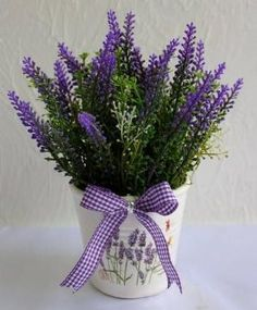 fiori - lavanda by lawanda Lavender Decor, Lavender Cottage, French Lavender, Lavender Blue, Lavender Fields, Lavender Flowers, My Flower, Purple Flowers, Beautiful Flowers