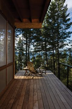 Cabin on Flathead Lake / Andersson Wise Architects / Desk  Wish the deck at our lake house looked like this