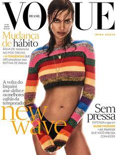 Irina Shayk (The Lions), fotografada por Giampaolo Sgura, veste tricô Miu Miu, calcinha Intimissimi e joias Carla Amorim. (Foto: Vogue Brasil)